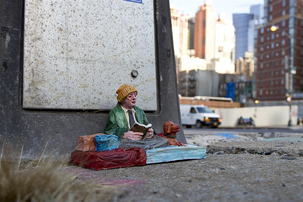 04-Isaac-Cordal-Little-People-with-a-Big-Message-www-designstack-co