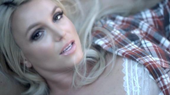 le crochet jusqu'à Britney Spears traduction