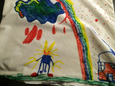 children are drawing pillows4