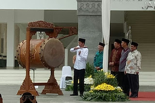 Di Masjid Hasyim Asy`ari, Jokowi Ajak Rakyat Saling Hargai dan Hormati