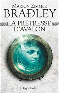 https://lesreinesdelanuit.blogspot.com/2017/10/la-pretresse-davalon-de-marion-zimmer.html