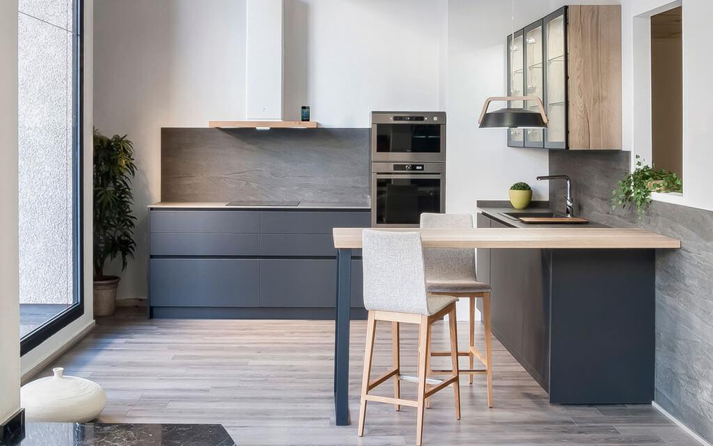 Tiradores de cocina y sistemas de apertura que marcan la diferencia ...