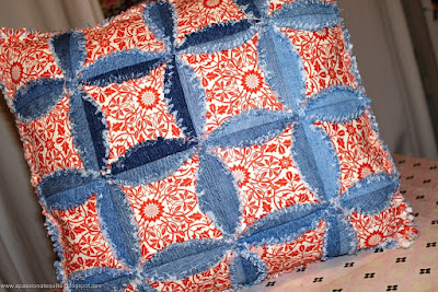 Quilt Inspiration: Free pattern day ! Denim quilts : denim circle rag quilt - Adamdwight.com