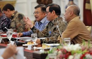 Hadapi Natal dan Tahun Baru, Presiden Jokowi Minta Perhatian Soal Pangan, Transportasi, dan Keamanan