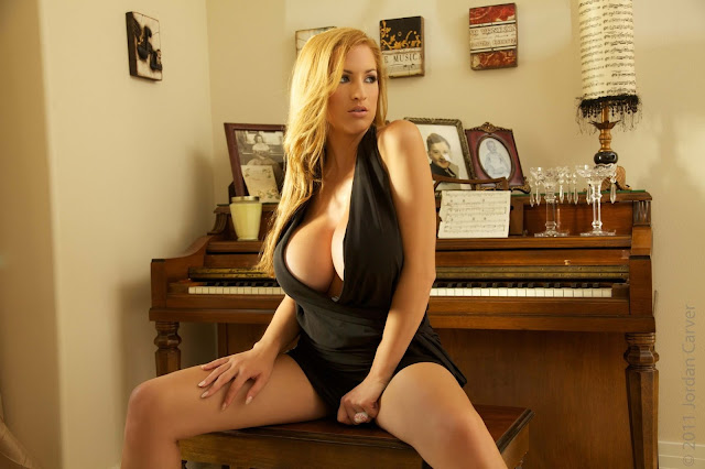 sexy-Jordan-Carver-Symphony-5th-hot-Photoshoot-HD-Pic-17