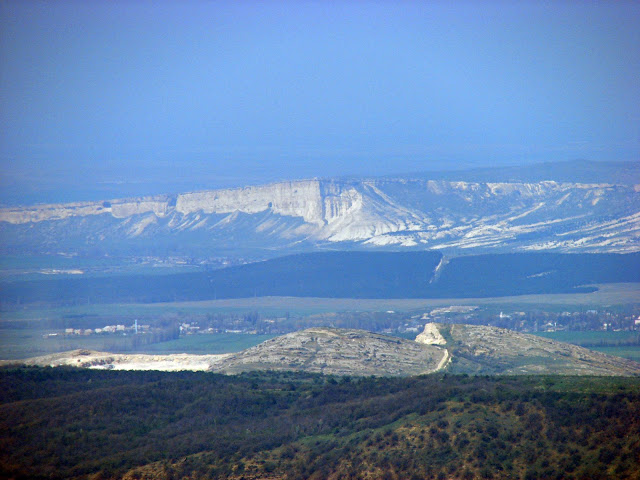 Вид на север – Белая Скала (приближено)