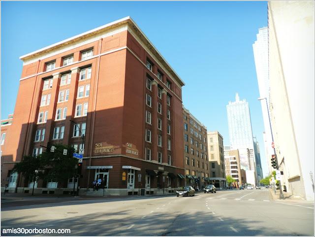 Dal-Tex Building:Tienda y Cafetería del Museo