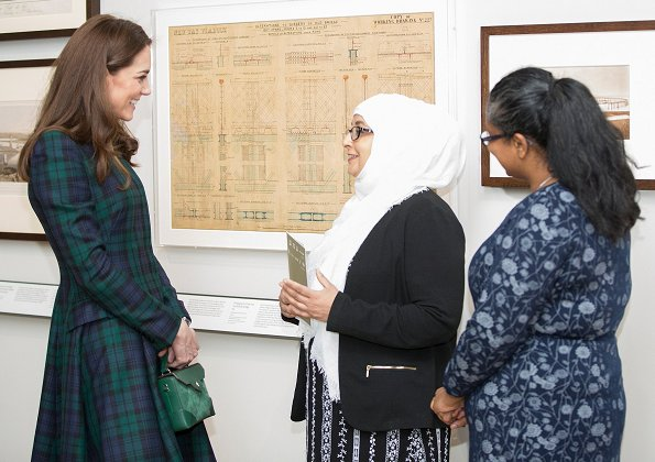 Kate Middleton wore McQueen coatdress, Kate carried a green Manu Atelier bag