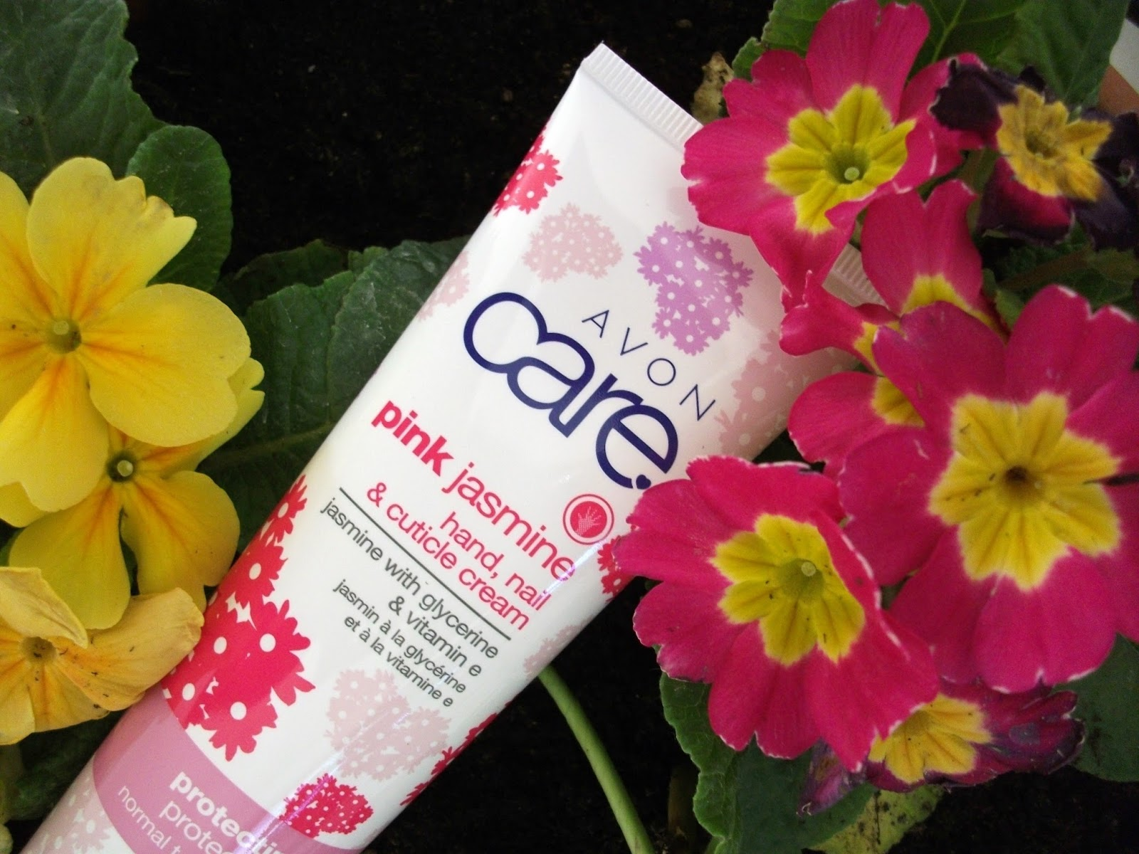 Valens per voi avon avon care pink jasmine hand nail company throughout the day its part of the pink jasmine special edition avon care line along with a shimmering body lotion and a hydrating lip balm izmirmasajfo