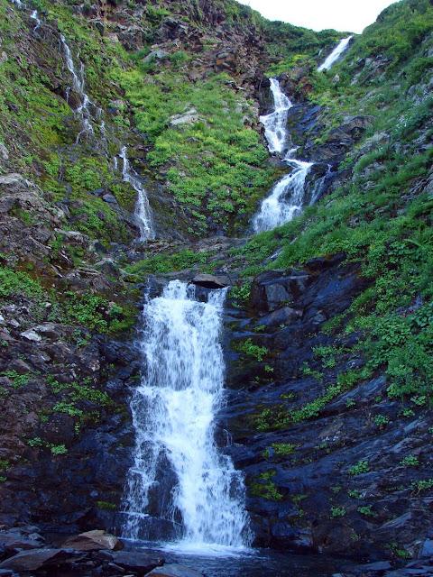 Водопад Братья на хребте Ачишхо