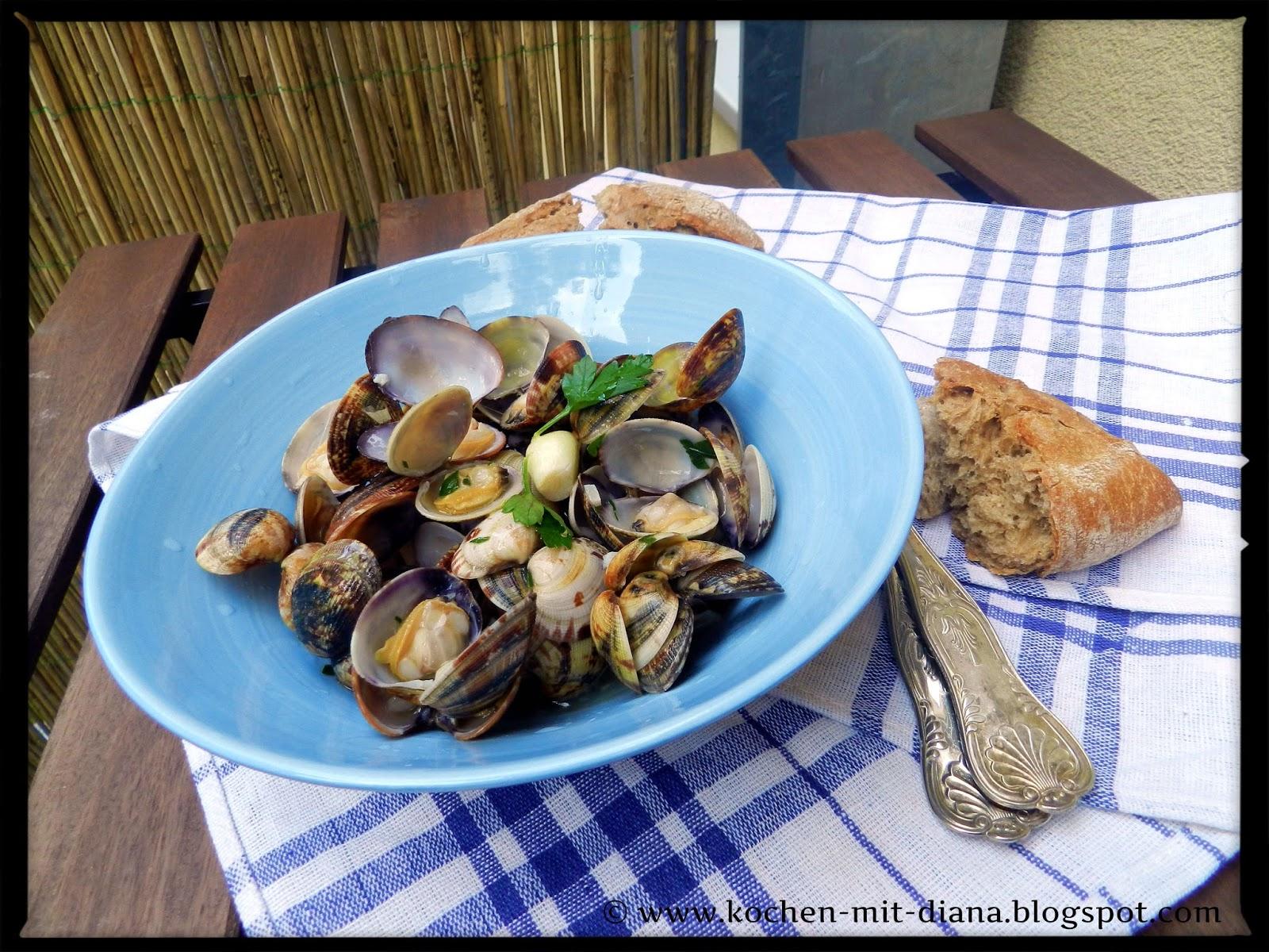 Venusmuscheln mit Knoblauch und Olivenöl