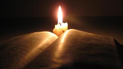 Evangile du jour - Page 11 Bible-bougie1