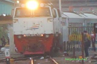 Kereta Api Lokal Gratis