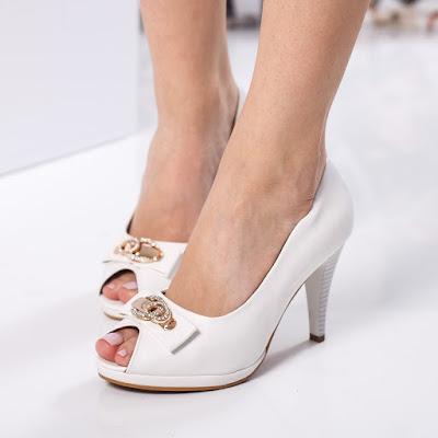Pantofi pentru femei elegante