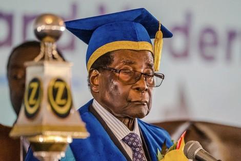 صحافي مغربي يغوص في سيرة الرئيس موغابي وأزمة زمبابوي