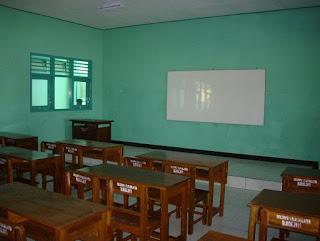 Makalah Strategi Belajar Mengajar (Manajemen Kelas)