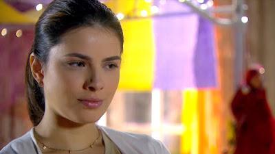 Thaís Melchior como Luísa