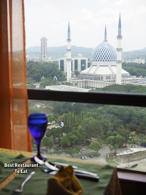 Shah Alam Lake and Mosque View at Club Lounge Grand BlueWave Hotel Shah Alam