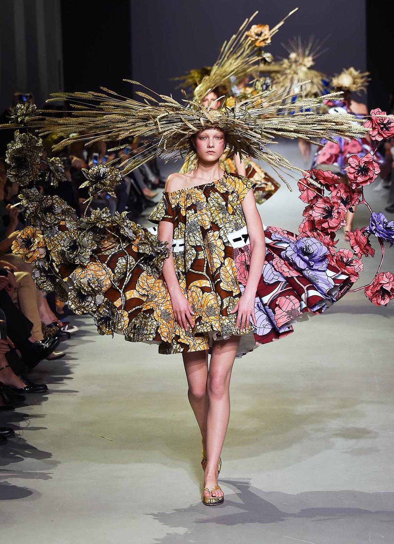 Znalezione obrazy dla zapytania viktor & rolf haute couture