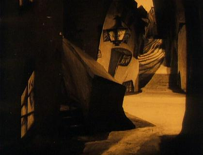 los soberbios decorados de El gabinete del doctor Caligari