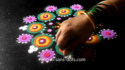 Multi-colour-rangoli-designs-171a.jpg