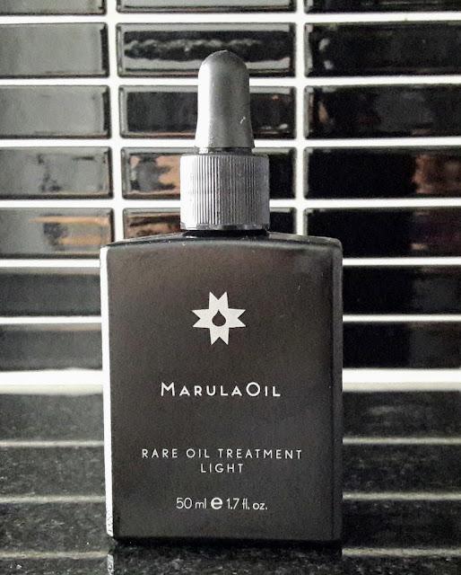 Marula Oil sopii sekä iholle että hiuksille