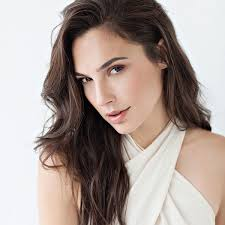 Gal Gadot Family Husband Son Daughter Father Mother Age Height Biography Profile Wedding Photos