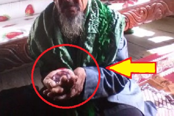 Inspirasi : Kakek Di Kabupaten Sidrap Sulawesi Selatan Jual Berlian Untuk Bangun Pesantren