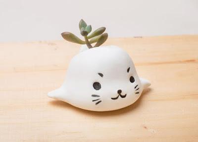 Seal Planter