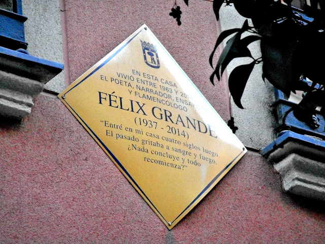aquí vivió Félix Grande
