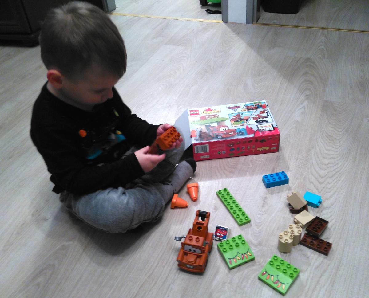 klocki rozwijają dziecko