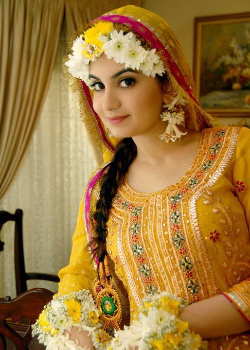 2016 New Collection Of Mehndi Dresses Wallpapers