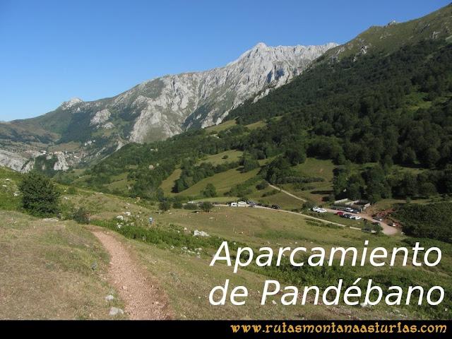 Ruta Peña Castil y Cueva del Hielo: Aparcamiento de collado pandébano