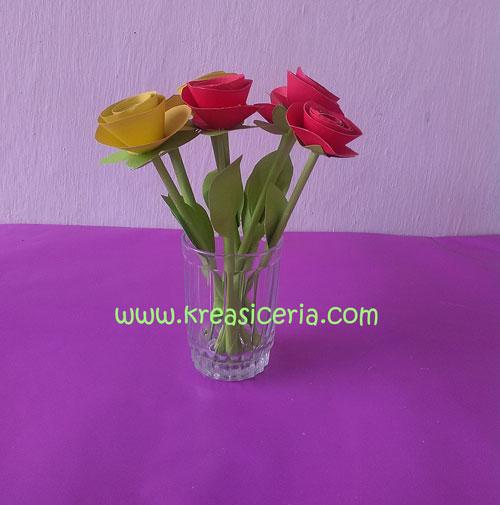 Cara Membuat Bunga Mawar Dari Kertas Warna Warni