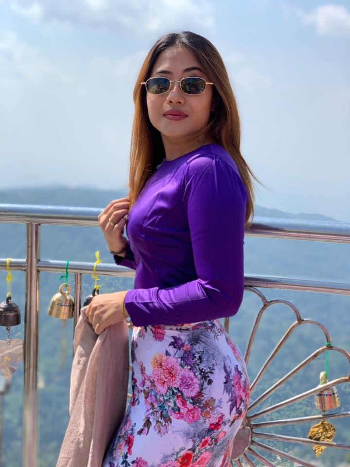 Trending model Nan Htaik Htar San in Myanmar Dress