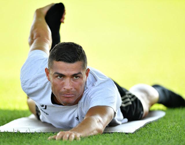 """BẢN TIN SÁNG 1/8: Mua Ronaldo """"rất nguy hiểm"""" 1"""