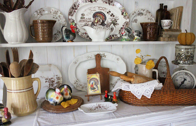 Thanksgiving Hutch Decorating- Itsy Bits And Pieces