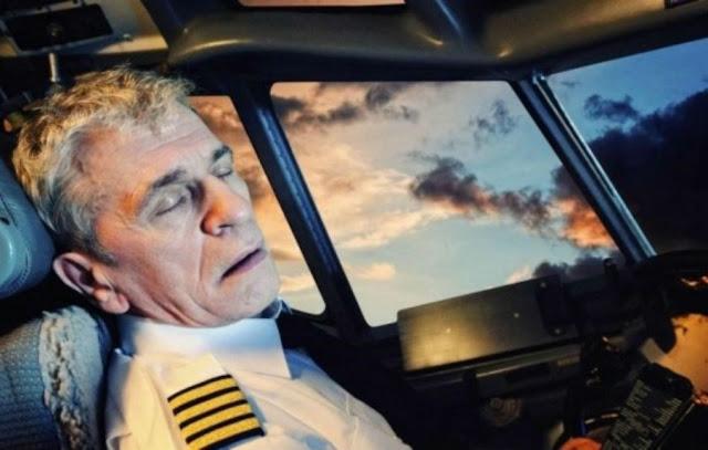 هل يستطيع الطيار النوم اثناء الرحلة وترك التحكم بالطائرة !؟ لن تصدق الاجابه !!!