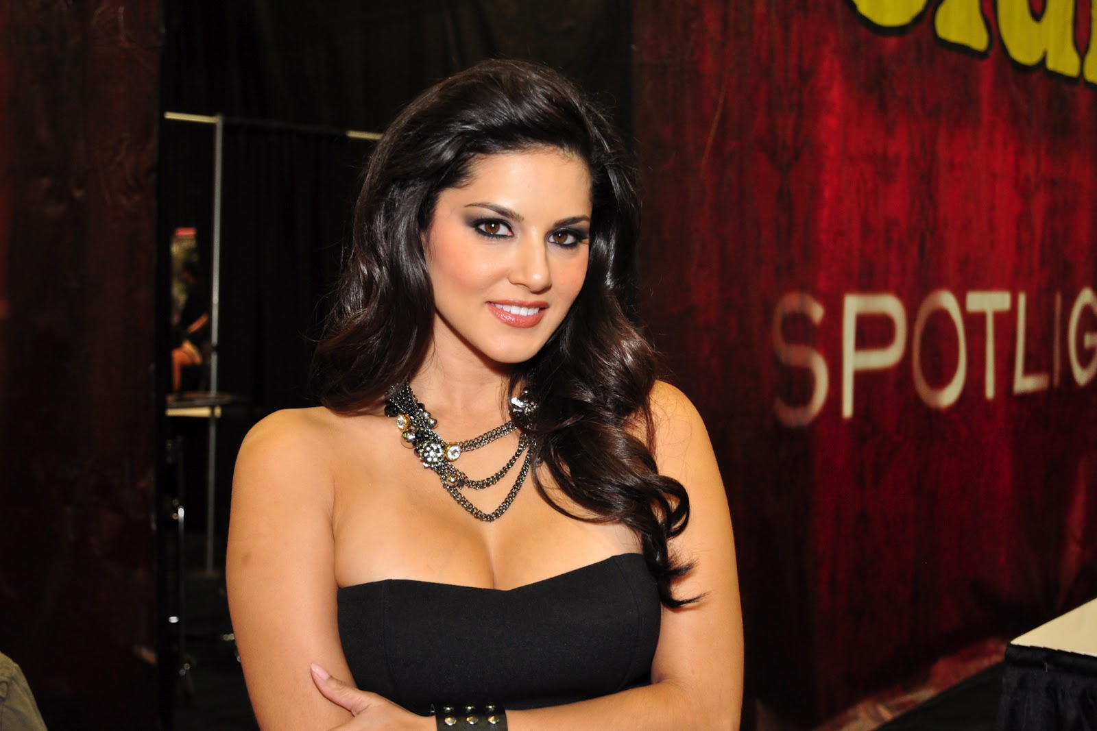 Sunny Leone I Am Going To Eat, Live And Breathe Bollywood -3017