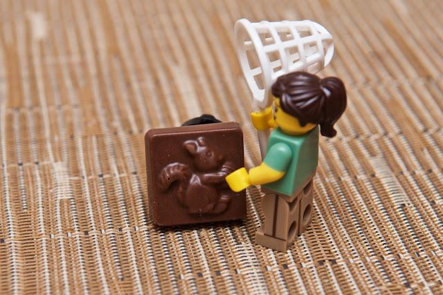 Lego - Advent Calendar - Calendrier de l'Avent - Father Christmas - Lego - Écureuil - Squirrel - Chocolat au lait