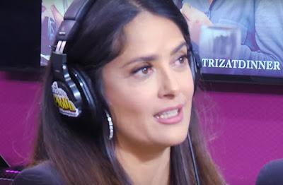 Salma Hayek se ofrece como masajista de la Selección Mexicana