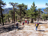 Descending south from Waterman Mountain summit to the outcropping lookout point