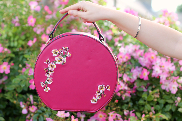 Banned Orient pink around bag