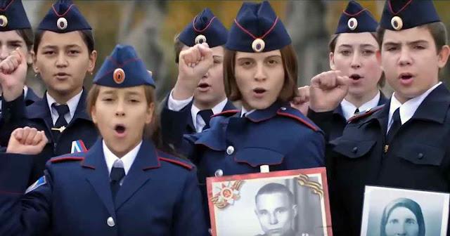 Coro de cadetes da polícia da ex-Stalingrado promete 'Morrer por Putin'