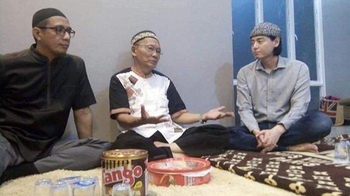 Benarkah Roger Danuarta Masuk Islam?