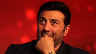 बाबा रामदेव ने सनी देओल की फिल्म 'घायल वंस अगेन' को देखने की अपील की।