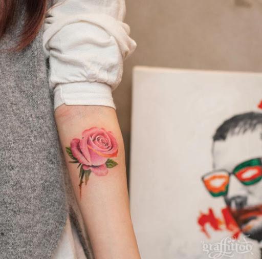 Esta rosa tatuagem