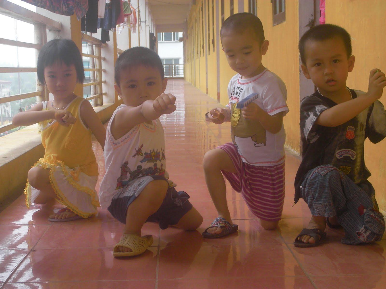 4 anh em siêu nhân