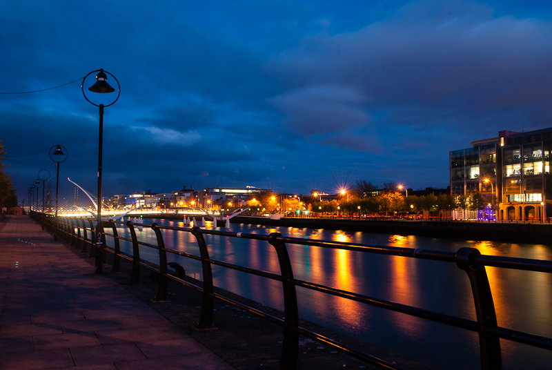 Night shot of the liffey in dublin and samuel beckatt bridge