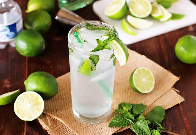 How to Make Mojitos Photo